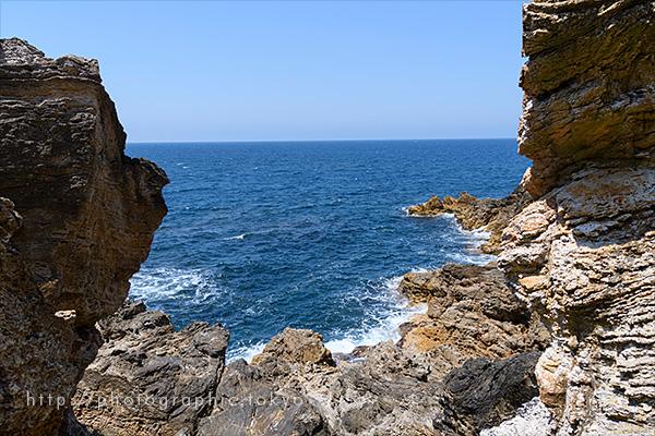 岩間の海岸